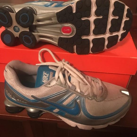 Womens Nike Shox Experience - Size 7.5